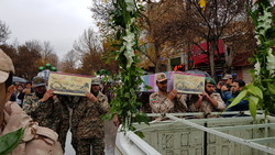 پیکر ۲ شهید گمنام تازه تفحص شده در نهاوند به خاک سپرده شد