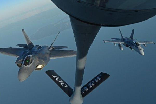 برخورد و سقوط دو فروند هواپیمای آمریکا در سواحل ژاپن