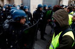 Fransa'da polisten göstericilere sert müdahale! 354 gözaltı
