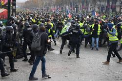 فرانس میں پرتشدد مظاہروں میں 30 افراد زخمی/ مظاہرین کا صدر سے استعفی کا مطالبہ