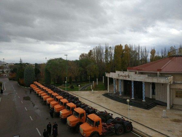 اهدای ماشینآلات به شهرداریهای مناطق زلزلهزده