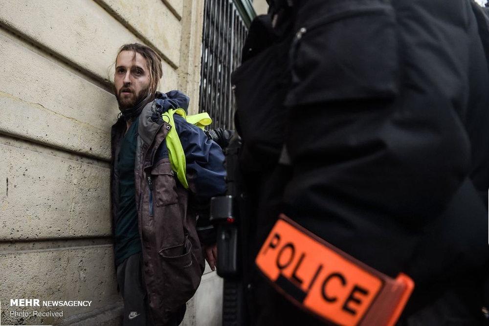 پلیس پاریس ۲۰۰ معترض را بازداشت کرد
