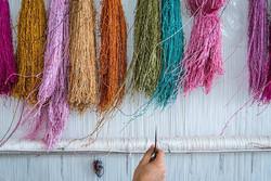 مشکل تهیه مواد اولیه در پایتخت فرش دستبافت ابریشم کشور