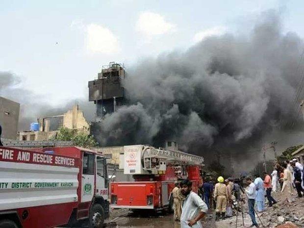 کراچی میں تولیہ فیکٹری  آگ لگنے سے تباہ