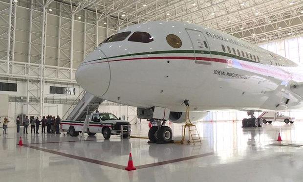 میکسیکو کے صدر کا بوئنگ طیارہ فروخت کے لئے کیلی فورنیا روانہ