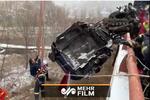 فلم/ چین میں زمین اور ہوا کے درمیان معلق ڈرائیور کی نجات کا لمحہ