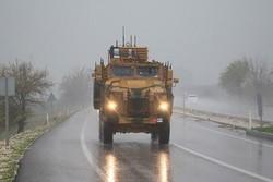 """ارسال تعزيزات عسكرية """"تركية"""" إلى الحدود المشتركة مع سوريا"""