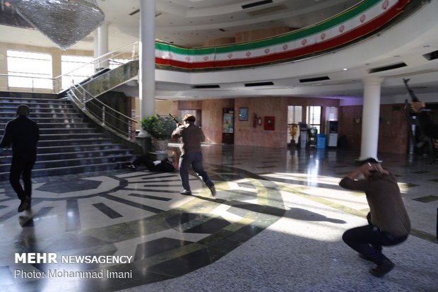 """مناورات """"مواجهة الهجمات الارهابية المحتملة"""" بمدينة """"كلستان"""""""