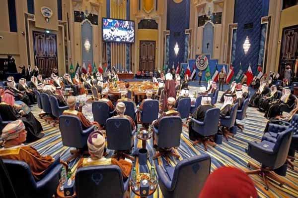 الرياض وأبوظبي مولتا حملة ترامب 2016 مقابل إلغائه الاتفاق النووي مع إيران