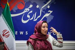 فتاة أمريكية تفضل البقاء في إيران على العودة إلى أميركا