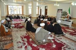 مردم و جوانان تاریخ ایران و اسلام را مطالعه کنند