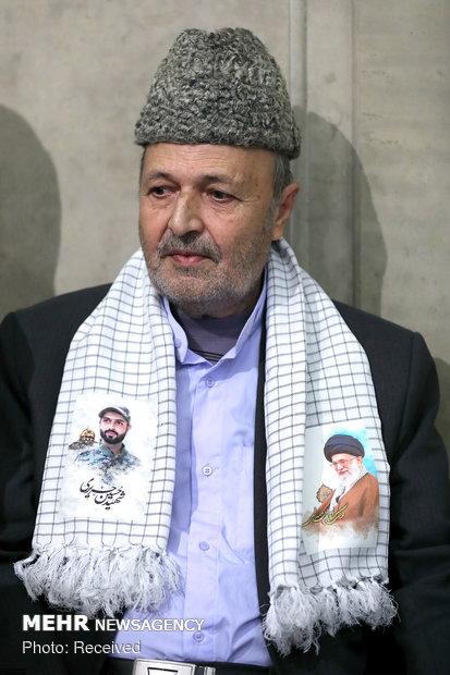 دیدار جمعی از خانوادههای شهدای دفاع مقدس و مدافع حرم با رهبر انقلاب