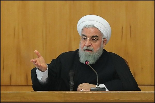 Rouhani calls for transferring sea waters to central Iran