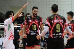 دیدار تیم های والیبال فولاد سیرجان ایرانیان و عقاب نهاجا
