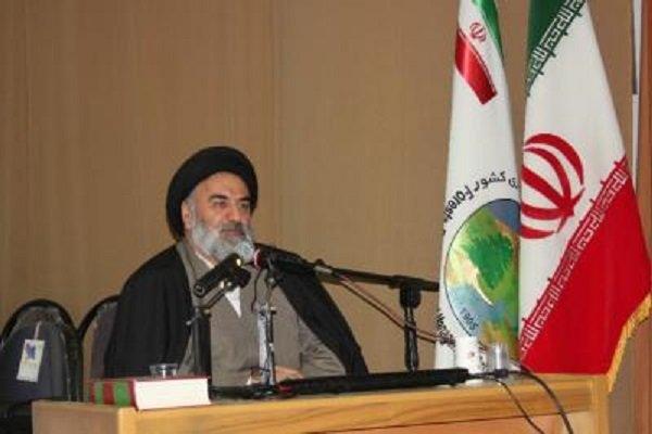 بزرگترین معروف انقلاب اسلامی زنده کردن نام خدا در دنیا بود