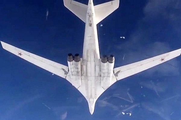 روس نے ایٹم بم لیجانے والے 2 طیارے ونزوئلا پہنچا دیئے