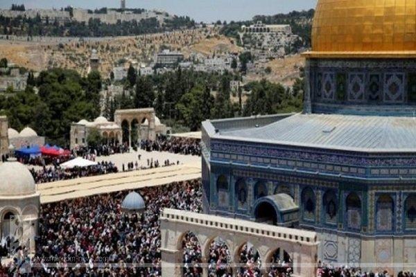 الفلسطينيون يصفون وزير خارجية البحرين بعراب بيع القدس