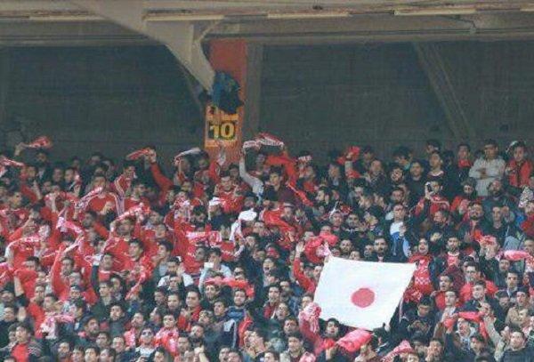 پرچم های ژاپن در ورزشگاه تبریز/ کاشیما بازهم تشویق شد!