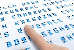 فونتی که افراد عادی و نابینا می توانند آن را بخوانند