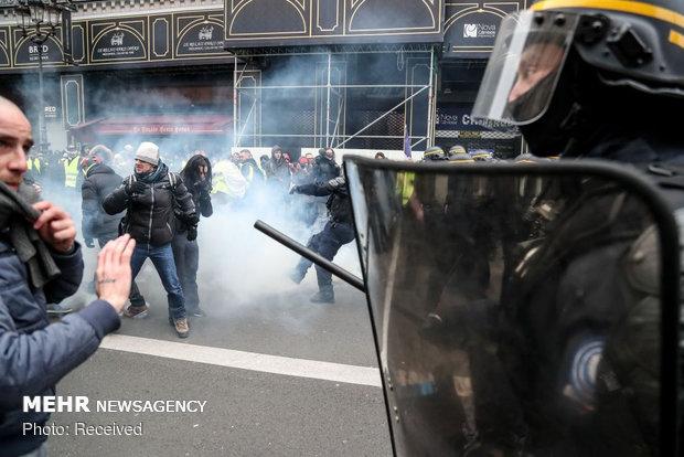 ادامه جنبش جلیقهزردها سال سیاهی را برای اقتصاد فرانسه رقم میزند
