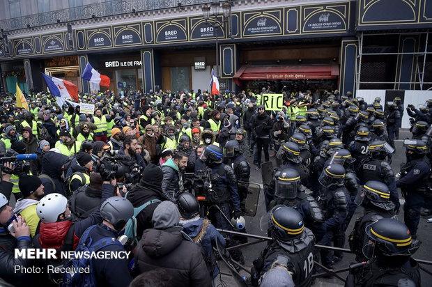 ادامه درگیری پلیس فرانسه با جلیقه زردها