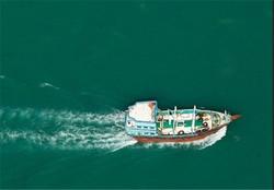 نجات ۶ سرنشین لنج صیادی در آبهای دریای عمان