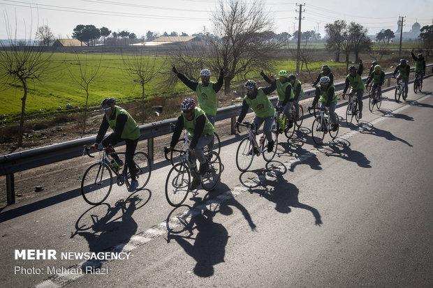 جولة وحدات الشرطة الايرانية على الدراجات الهوائية