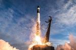 ۱۳ ماهواره «کیوب ست» به آسمان رفت