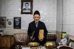 تبریز میں چائے فروش بزرگ کی رزق حلال کی تلاش و کوشش
