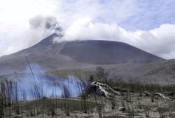 آتشفشان اندونزی ۲ بار فوران کرد