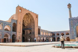 Iran travel balance turns positive as inbound tourism jumps