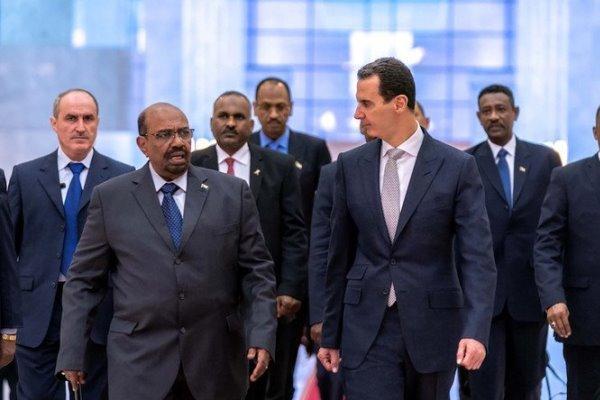 «بشار اسد» در فرودگاه دمشق از رئیس جمهور سودان استقبال کرد