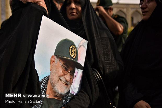 پیکر سردار منصوری در زادگاهش به خاک سپرده شد
