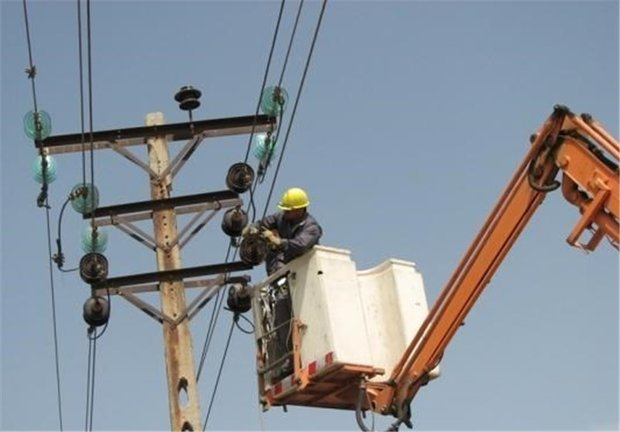هزینه سالیانه ۲۰ میلیارد تومان برای اصلاح شبکههای برق فرسوده