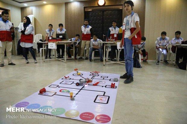 """منافسات المشاريع الروبوتية في محافظة """"كلستان"""""""