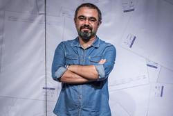 «ماه در آب» دیماه به صحنه میرود/ ارائه اولین تجربه سینمایی به فجر