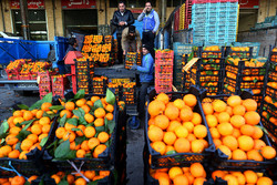 اصفہان کے پھل بازار میں شب یلدا کی مناسبت سے پھلوں کی فراہمی