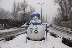 تساقط الثلوج في مدينة همدان