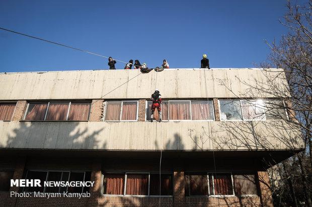 مانور آمادگی زلزله در خوابگاه های دانشجویی