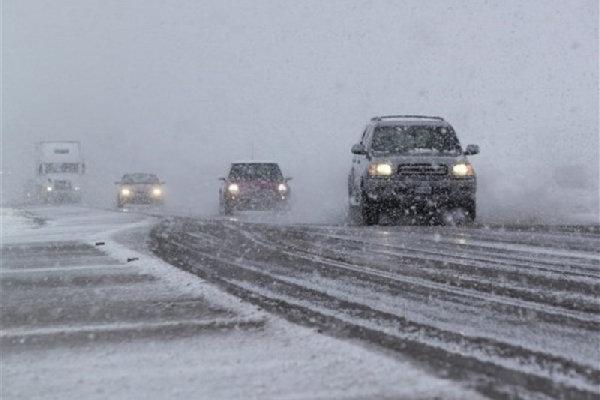 ۴۰ راه روستایی شهرستان هشترود در اثر بارش برف مسدود شد