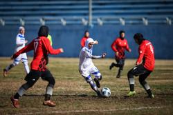 مباراة فريقين لكرة القدم للسيدات ضمن الدوري الممتاز  / صور