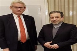 Iran deputy FM discusses JCPOA with former Swedish PM