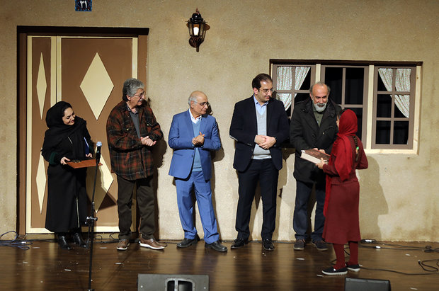 بیستویکمین جشنواره بینالمللی قصهگویی به ایستگاه پایانی رسید