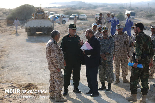 'Great Prophet 12' military drill pressor in Qeshm