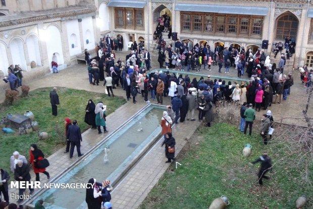 جشن «شب یلدا» در خانه تاریخی افتخار الاسلام بروجرد برگزار شد
