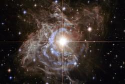 تصویر هابل از ستارهای ۱۵هزار بار درخشانتر از خورشید