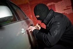 دستگیری سارق خودرو در کرج با اعتراف به ۲۰ فقره سرقت
