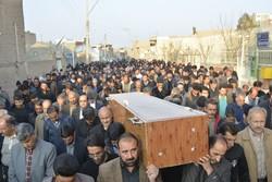 پیکر پدر شهیدان خیامی  تا گلزار شهدای کاشان تشییع شد
