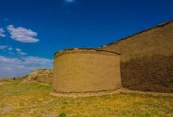 ضرورت توجه به قلعه تاریخی «بختک لیلان» به عنوان قطب گردشگری منطقه