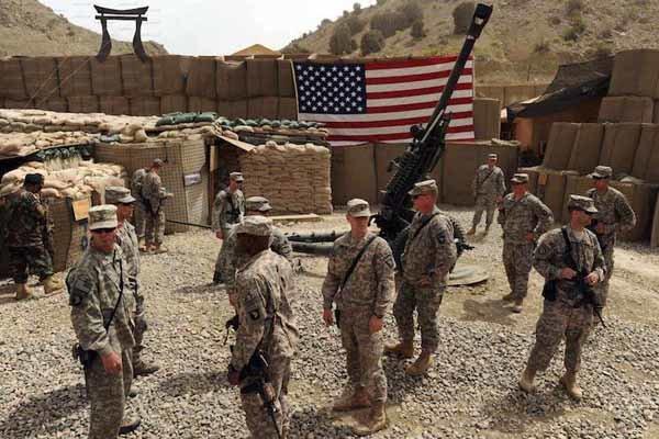 انتقال نیروهای آمریکایی به عراق؛ بغداد از واشنگتن شکایت میکند؟
